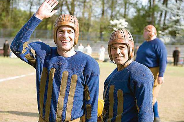 0403Movie-center-leatherheads