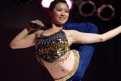 Chinese_acrobat_contortionist.103163548_large.jpg